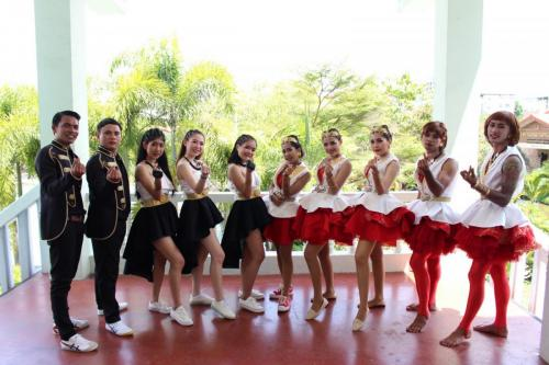 Red cheer 181002 0026